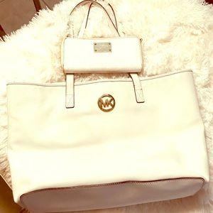Michael Kors White handbag with large Wallet